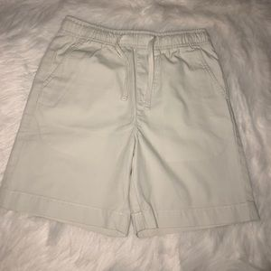 Vineyard pull-up shorts size S(8-10)